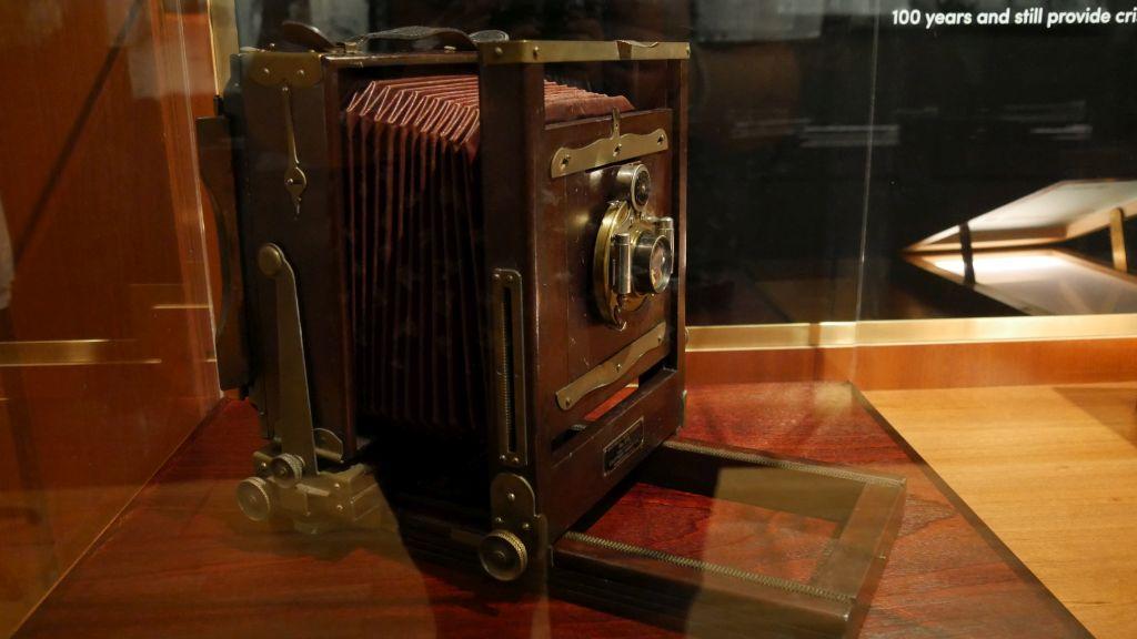 Fototoestel waarmee detectives foto's maakten