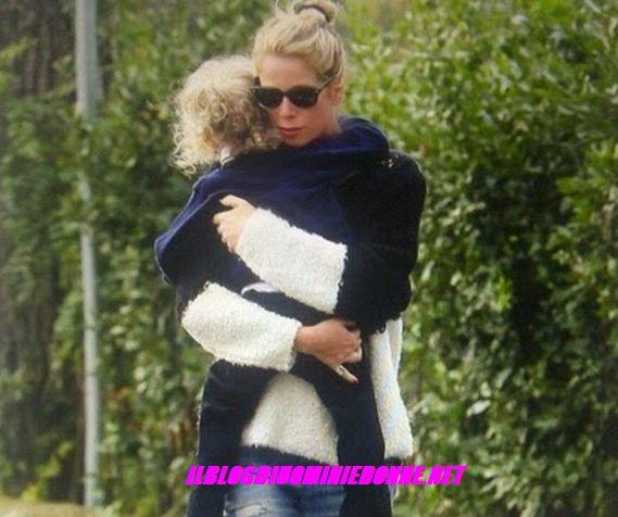 Foto di Alessia Marcuzzi con la piccola Mia