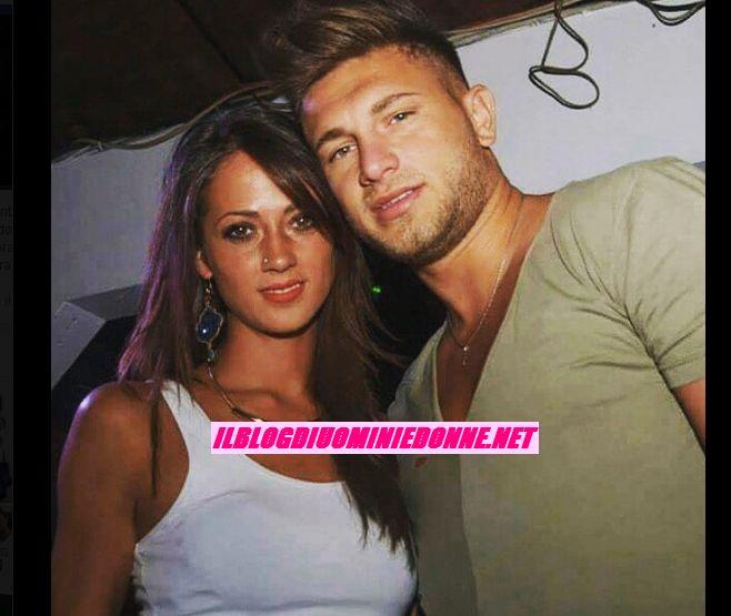 Teresa Cilia e Salvatore di Carlo si scattano un selfie per i fans