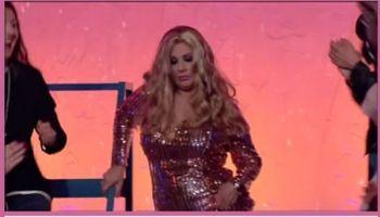 La consigliera Tina Cipollari è Jennifer Lopez