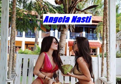 Angela Nasti ccon la sorella Chiara