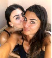 Serena Enardu con la sorella Elga dopo Temptation Island