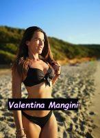 Foto di Valentina Mangini al mare in bikini
