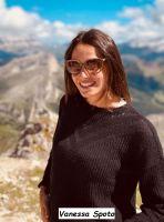 Corteggiatrice tronista di Uomini e donne Massimiliano Mollicone in montagna