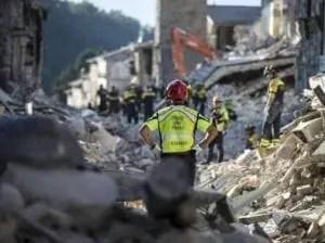 Terremoti: Soccorsi