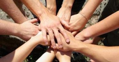 volontariato_-_sociale_-_mani_2