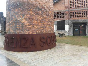 faenza-square-5