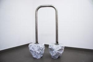 Marco Ceroni, Moonwalk, bianco di Carrara e acciaio, 2015