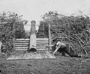 """Esempio di """"quaker gun"""" usato dall'esercito Confederato durante la guerra civile americana (1862)."""
