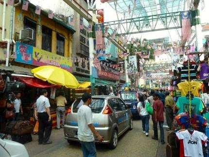 Uno scorcio del caotico centro citta' di Kuala Lumpur