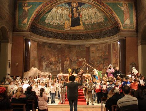 LA GRANDE CASA-Spettacolo in Chiesa02