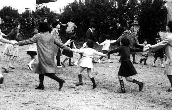 Caritativa nella Bassa milanese, 1960, foto Ciol