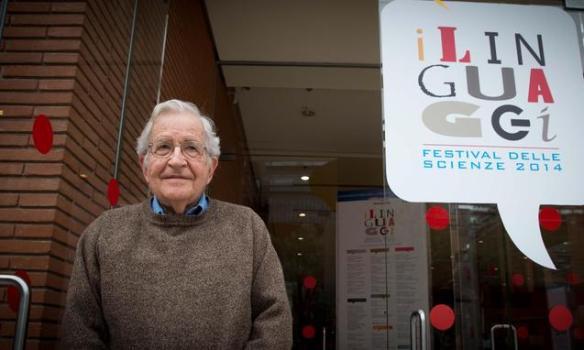 Chomsky-i-linguaggi-e-il-successo-del-Festival-delle-Scienze_h_partb