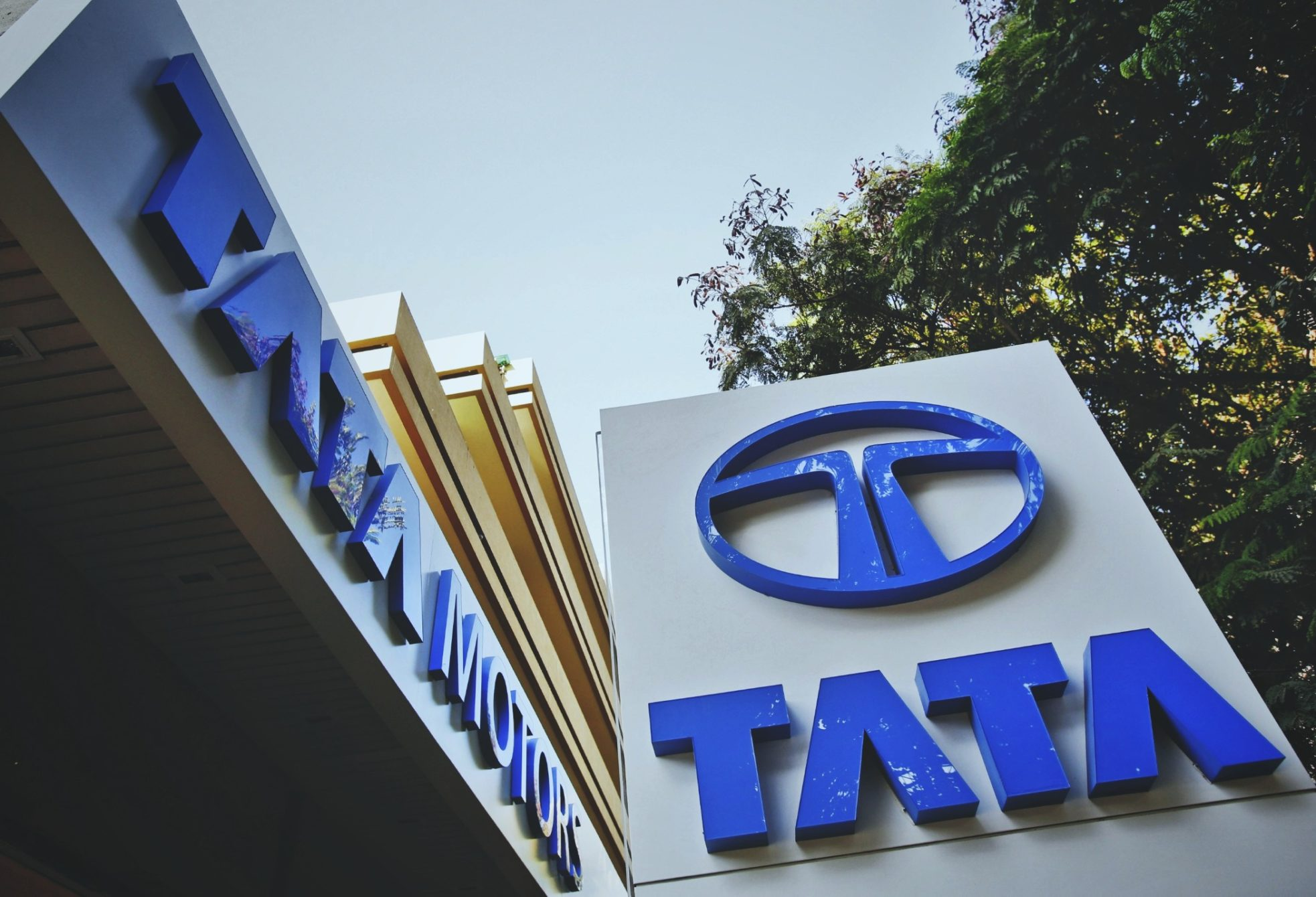 Tata Motors Acquisition Jaguar Land Rover - impremedia.net