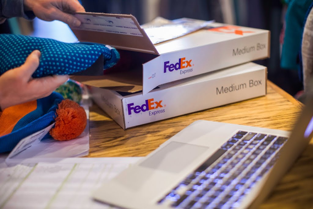 Case Study of A Powerful Partnership of Strategy and Corporate Communication in FedEx - ilearnlot