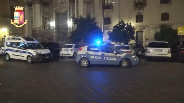 MOVIDA CATANESE, I CONTROLLI DELLA POLIZIA DI STATO PER LA VERIFICA DELLA NORMATIVA ANTI COVID