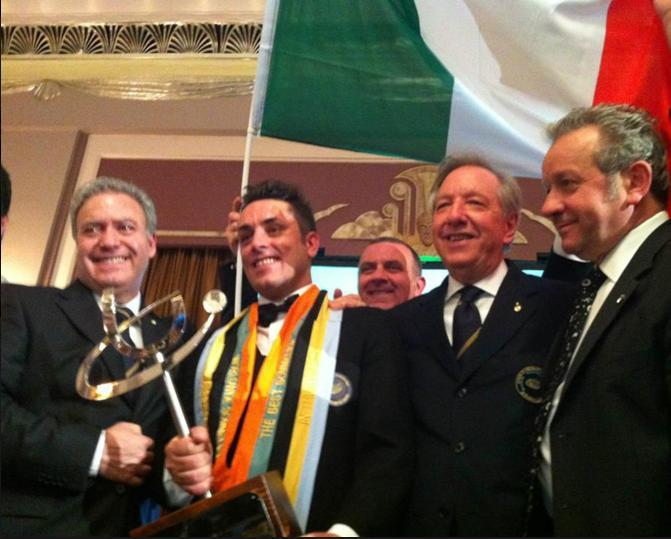 Luca Martini con (da sinistra a destra) il presidente nazionale Ais Antonello Maietta, il presidente toscano Osvaldo Baroncelli, i vicepresidenti nazionali Roberto Bellini e Renato Paglia