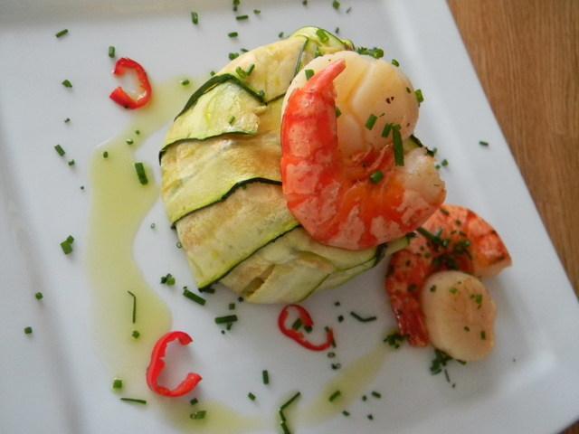 tagliatelle-gamberi-capesante-e-zucchine-L-PbWkVa