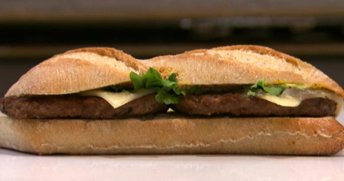 Il sorpasso: in Francia si mangiano più hamburger che baguette