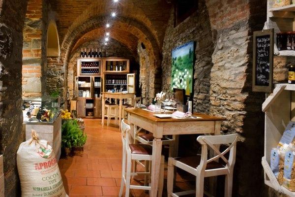 Toscana da Bere, viaggio nei cocktail bar della regione: Bottega Baracchi a Cortona