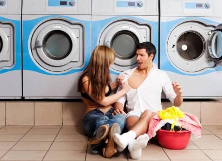 Lavare le lenzuola aiuta il sesso
