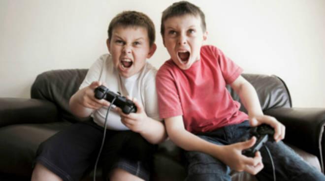 Playstation 4 e Xbox One confiscate agli studenti