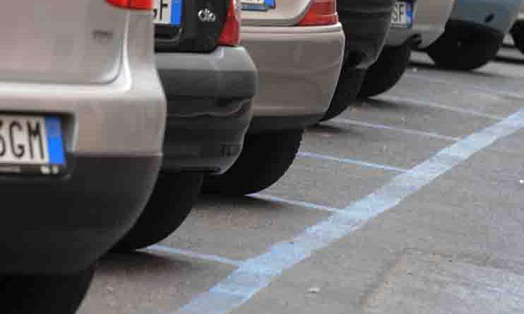 parcheggi nelle strisce blu