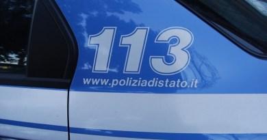 Bombe carta e fumogeni sui passanti in viale Regione Siciliana a Palermo. Scontri con i tifosi del Catania di passaggio per andare a Trapani