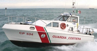 Il cadavere di una donna in avanzato stato di decomposizione è stato trovato nella spiaggia di Valle Muria nell'isola di Lipari