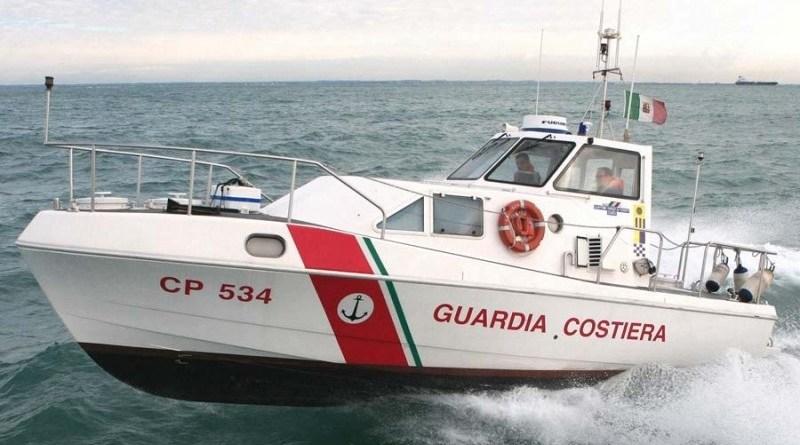 Lampedusa turisti salvati avaria al gommone