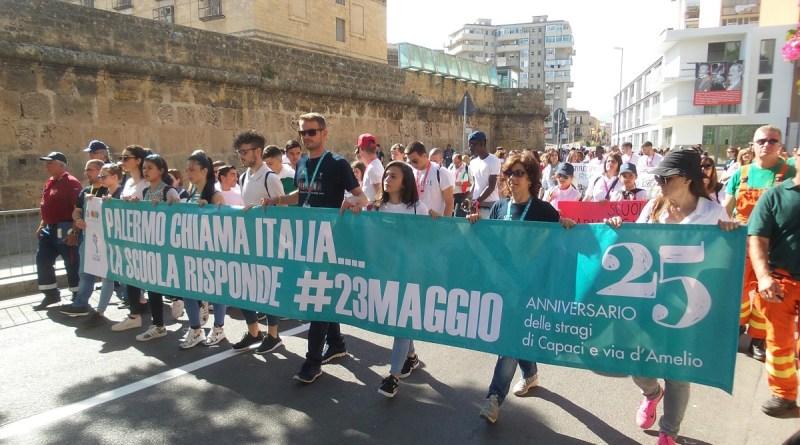 Mille studenti sbarcano a Palermo per la commemorazione a 25 anni dalla strage di Capaci