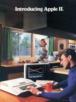 La prima pubblicità di un Apple II, in cui si dava l'idea di ciò che voleva essere il nuovo prodotto: un computer da usare anche a casa con la possibilità di utilizzare uno schermo a colori