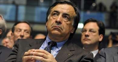 Il Tar ha sospeso il commissariamento delle città metropolitane di Catania e Palermo. Enzo Bianco e Leoluca Orlando riprendono la carica
