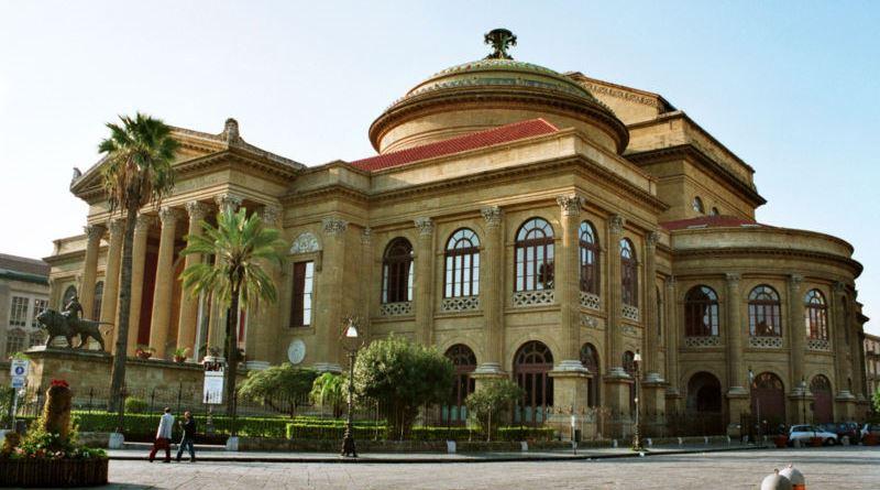 """Oggi si celebra la Giornata mondiale del Teatro. Roberto Alajmo, direttore del Teatro Stabile Biondo: """"A Palermo c'è molta creatività"""""""