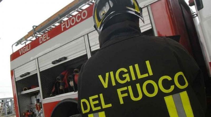 autobus in fiamme a Borgo Nuovo