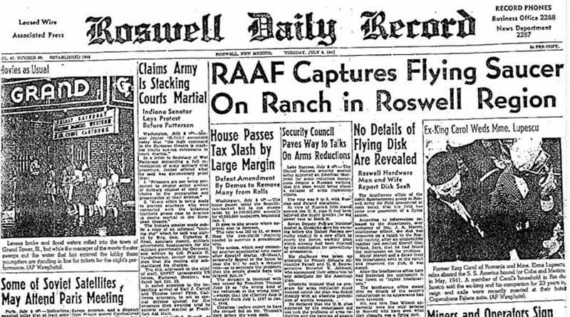 """L' """"incidente di Roswell"""" fu comunicato alla stampa l'8 luglio del 1947 dall'ufficio informazioni della Roswell Army Air Field, base aeronautica Usa nel Nuovo Messico. La notizia che erano stati recuperati i resti di un """"disco volante"""" precipitato in un ranch nelle vicinanze della base fu ripresa dal quotidiano locale Roswell Daily Record. Il giorno dopo il comando dell'Aeronautica smentì la notizia, affermando che i resti recuperati erano quelli di un pallone sonda. Notizia e smentita rimbalzarono su altri giornali locali e poi su quelli nazionali, creando un fenomeno mediatico. Da allora coesistono due diverse linee di pensiero per l'interpretazione dell'incidente di Roswell: quella degli ufologi, che credono fermamente nello schianto di un veicolo extraterrestre, e gli scettici, che lo smentiscono assolutamente, ammettendo invece che via stato un atteggiamento di """"depistaggio"""" da parte dell'autorità per coprire attività segrete di sperimentazione di tecnologie avanzate per scopi militari."""