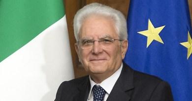 Mattarella compie 77 anni: acqua santa contro i riavulìlle