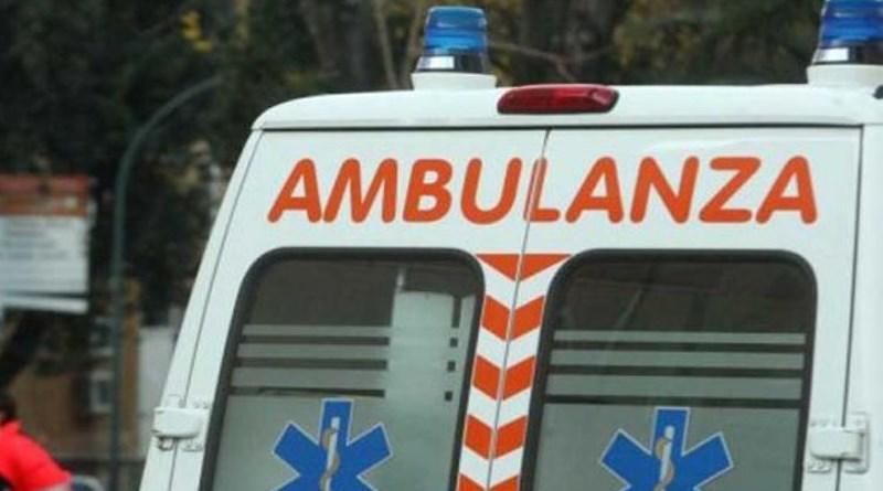 Niscemi, auto finisce fuori strada: morta una donna