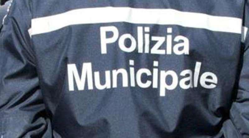 Palermo, vigile schiaffeggiato da automobilista in piazza Rivoluzione