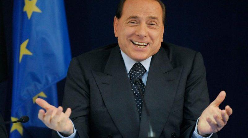 """Silvio Berlusconi agli imprenditori di Assolombardia: """"A me la politica ha fatto sempre schifo"""". E intanto parla ancora di Ponte sullo Stretto di Messina"""