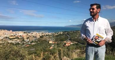 Giacomo Li Destri, Claudio Fava, attacco a Cinque Stelle