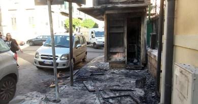 incendiata edicola a palermo