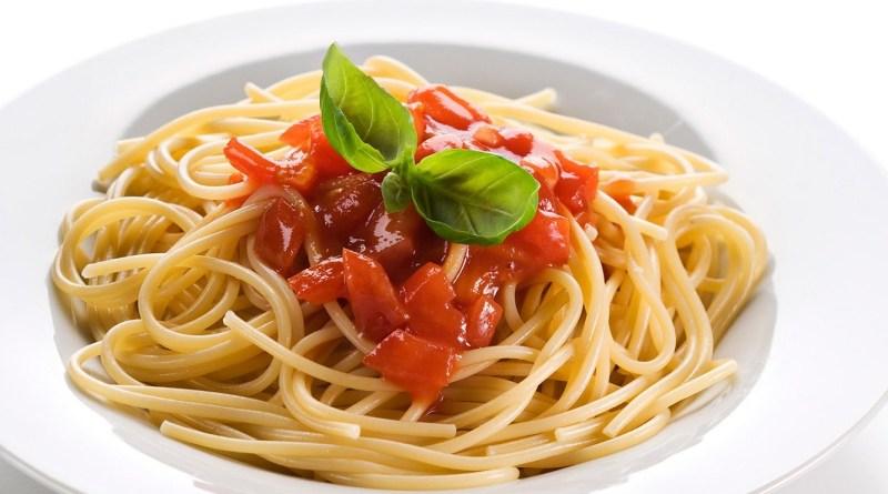 La pasta fa bene, rende felici e può anche aiutare a dimagrire