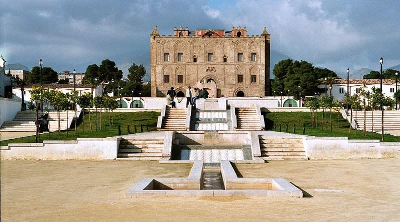 Un fulmine ha colpito il Castello della Zisa a Palermo. La Soprintendenza dei Beni culturali ha disposto la chiusura al pubblico in vista di un sopralluogo