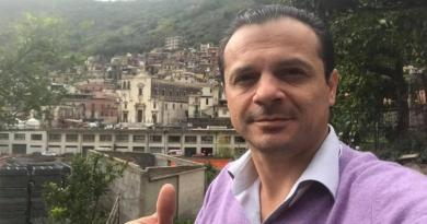 """Cateno De Luca lascia l'Udc e attacca Musumeci sugli impresentabili: """"Da lui mi aspettavo proposte per salvare la Sicilia, invece imita la Bindi"""""""