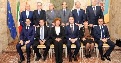 Nuova riunione di giunta, per discutere di conti e mettere mano alle prime emergenze. Stanziati 200mila euro per la discarica di Mazzarà Sant'Andrea