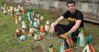 "Da Bobez la mostra ""Mediterranea"" del ceramista Nicolò Morales"