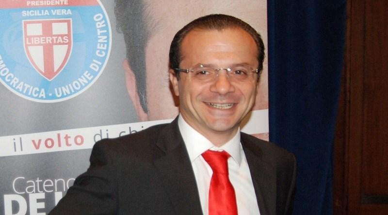 """Cateno De Luca, è intervenuto nel dibattito sulla finanziaria regionale che è cominciato oggi pomeriggio parlando di fondi extraregionali Cateno De Luca lascia l'Udc e attacca Musumeci sugli impresentabili: """"Da lui mi aspettavo proposte per salvare la Sicilia, invece imita la Bindi"""""""
