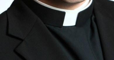 Il parroco della Chiesa del Cuore Immacolato di Modica, don Mario Martorina al centro di numerose polemiche per aver rifiutato le offerte in centesimi durante la messa