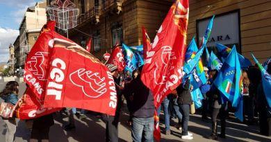Grande distribuzione, la protesta dei lavoratori a Palermo